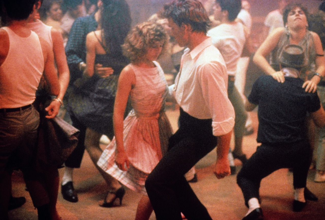 Dirty Dancing (1987)   Pers: Patrick Swayze, Jennifer Grey   Dir: Emile Ardolino   Ref: DIR002AK   Photo Credit: [ Vestron / The Kobal Collection ]   Editorial use only related to cinema, television and personalities. Not for cover use, advertising or fictional works without specific prior agreement